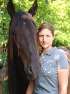 Intequos Pferdeosteopathie & Hundeosteopathie